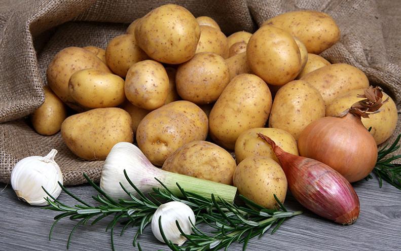 Risultati immagini per patate cipolle aglio