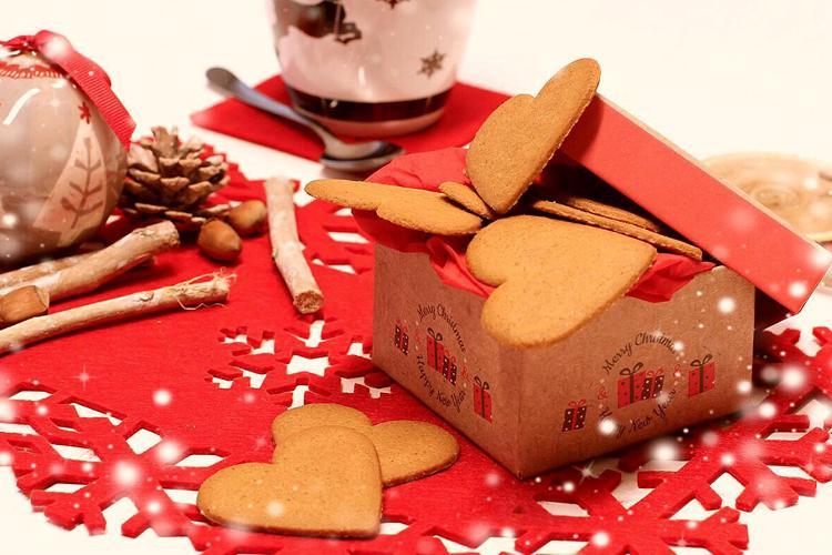 Biscotti Allo Zenzero Di Natale.Biscotti Allo Zenzero Ecco La Ricetta Che Fa Subito Natale